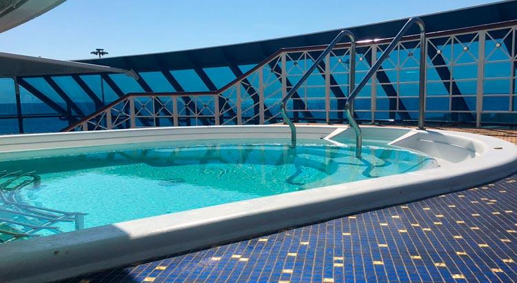 La piscina - Oceania Cruises